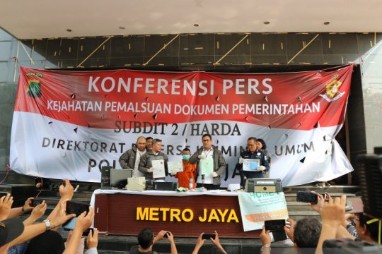 Polda Metro Jaya tangkap pemalsu surat berharga negara