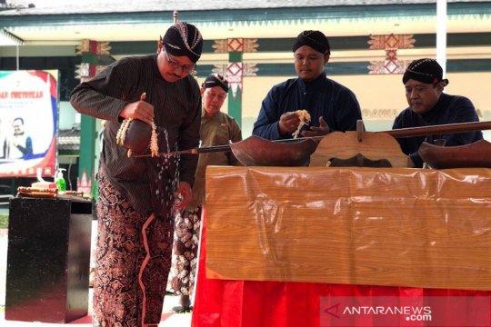 Jamasan pusaka Yogyakarta dimaknai resolusi awal tahun baru Jawa