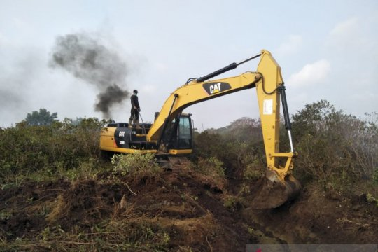 Cegah kebakaran gambut meluas di Mukomuko, alat berat dikerahkan