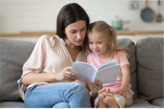 Jangan gengsi, kiat jitu orangtua bebas stres ajari anak di rumah