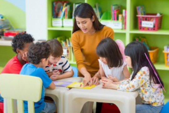 Pada usia berapa anak sudah bisa masuk sekolah?