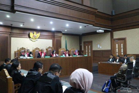 Pengusaha dan advokat didakwa suap Aspidum Kejati DKI Jakarta