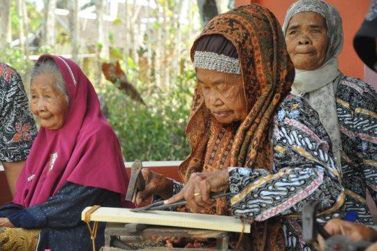 Wabup Sleman mengukuhkan sentra industri parut tradisional Sendangsari