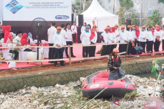Didatangi Iriana Jokowi, bantaran Sungai Cipakancilan akan jadi taman