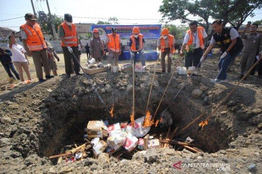 Balai Karantina Surabaya musnahkan benih berbahaya dari luar