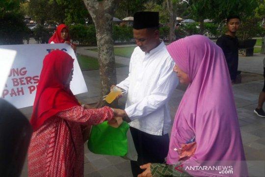Istri karyawan pengelola Borobudur kampanye pengurangan plastik