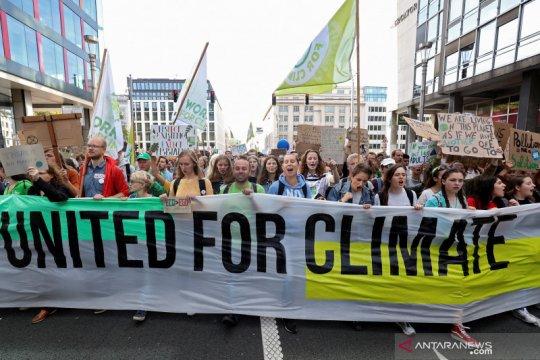 Ribuan orang di Brussels gelar aksi damai perubahan iklim