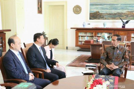 Jokowi terima kunjungan Penasihat Hubungan Luar Negeri Presiden RRT