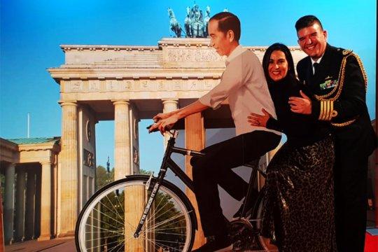 Ada sepeda Jokowi di Brandenburger Tor, Berlin