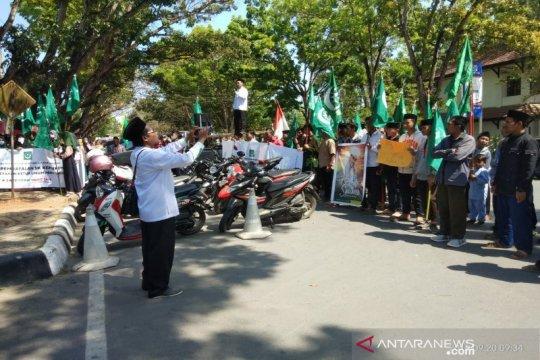 Massa desak Kemenkumham cabut SK Penetapan Ketum PB Nahdlatul Wathan