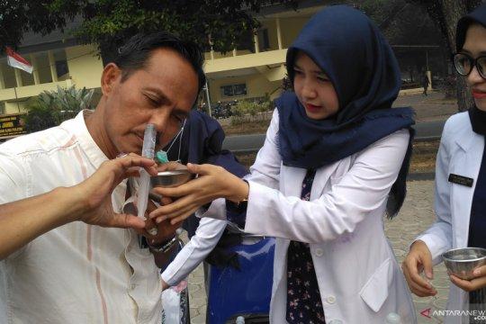 Cara mencuci hidung untuk cegah iritasi akibat asap karhutla