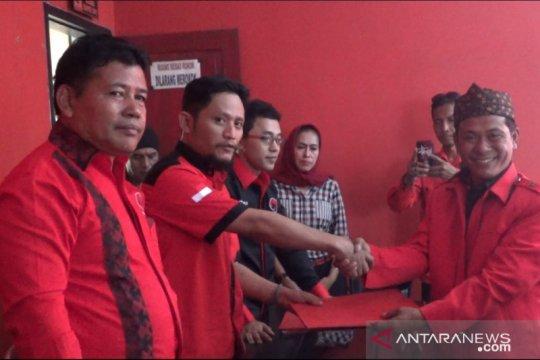 Kader PAN dan Gerindra mendaftar calon kepala daerah Sukabumi ke PDIP