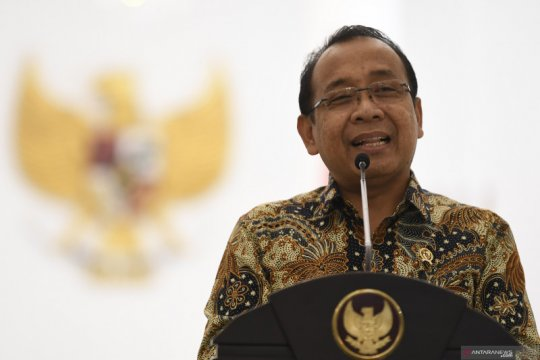 Berita politik kemarin, tipo revisi UU KPK hingga 10 pimpinan MPR baru