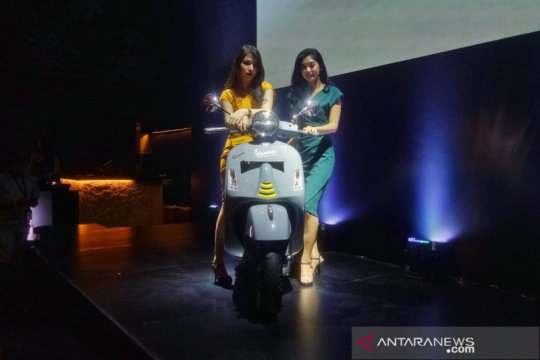 Vespa hadirkan GTS Super Tech 300, harganya Rp153 juta