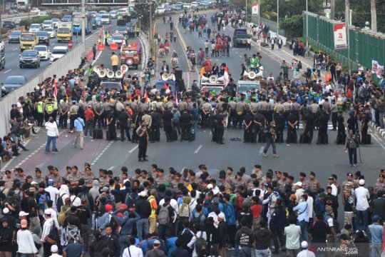 Unjuk rasa pro dan kontra revisi UU KPK