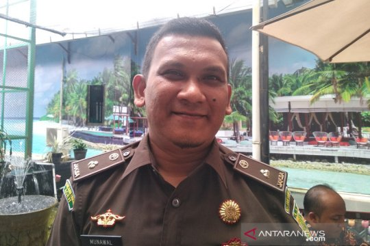 DPO korupsi Rp1,1 miliar menyerahkan diri ke Kejari Pidie