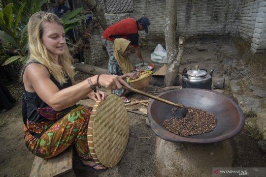 "Buku ""Lombok"" berbahasa Ceko diluncurkan"
