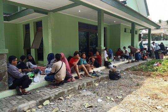 11 balita dan 16 siswa SD di Balimester diungsikan akibat kebakaran