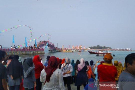 Keseruan Oceanic Folk Festival Jakarta di Pulau Tidung