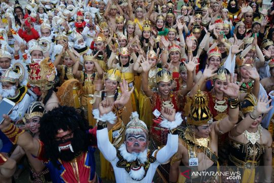 Pemecahan rekor Muri pemakaian kostum wayang orang terbanyak
