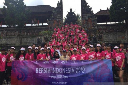 BI Bali gandeng mantan miss universe aksi bersih sampah plastik