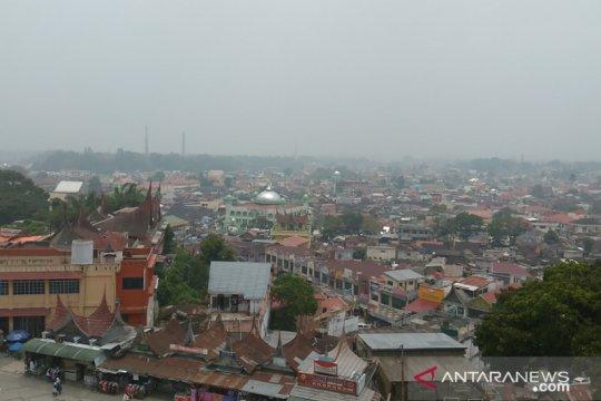 Kualitas udara Sumbar masuk level tidak sehat