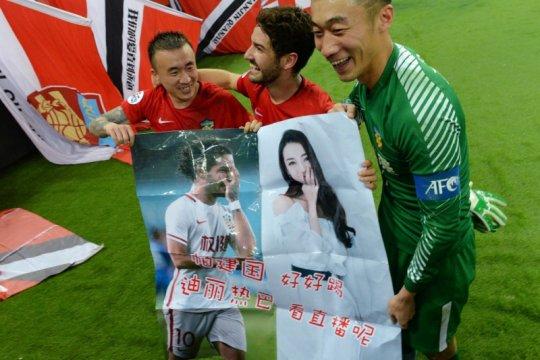 Penjaga gawang China ditendang dari timnas gara-gara mabuk