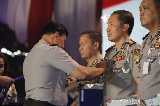 Dirlantas Polda Metro Jaya raih pin emas tilang elektronik