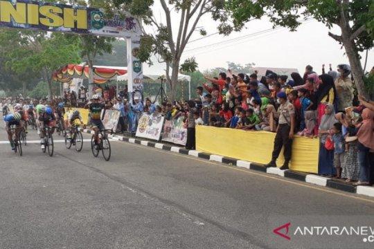 Tour de Siak, pebalap BSP Siak Nur Fathoni juarai etape empat