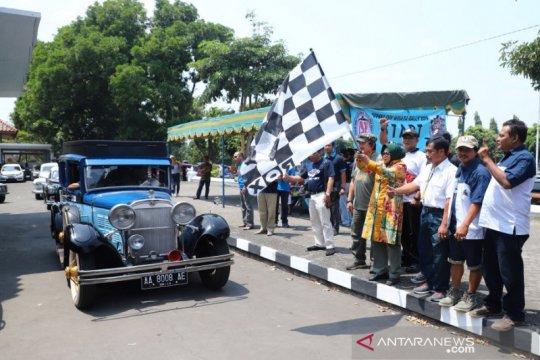 Promosikan potensi wisata, puluhan mobil kuno reli di Sleman
