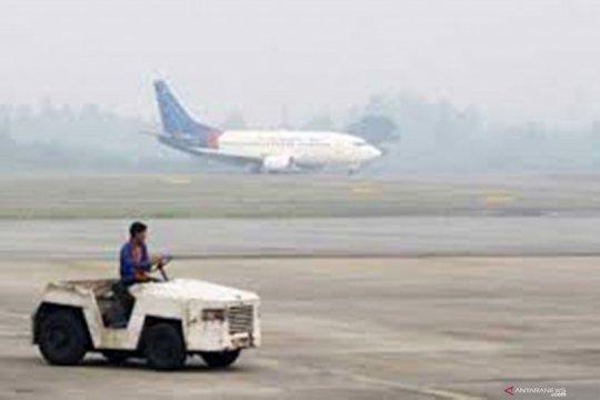 Kabut asap ganggu penerbangan di Jambi