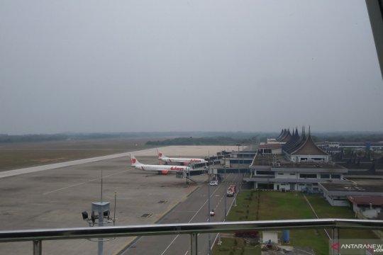 Dua penerbangan dialihkan pendaratan ke Padang akibat kabut asap