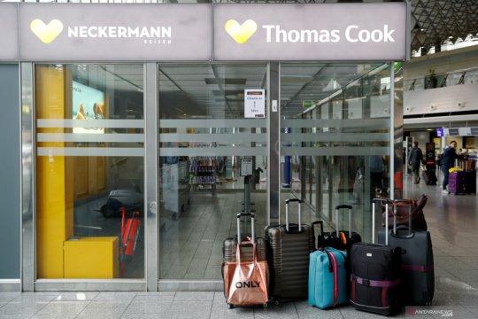 Inggris pulangkan 5.000 orang lagi setelah Thomas Cook ambruk