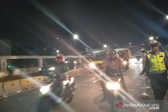 Jalan Gatot Subroto arah Slipi dibuka pascaaksi mahasiswa