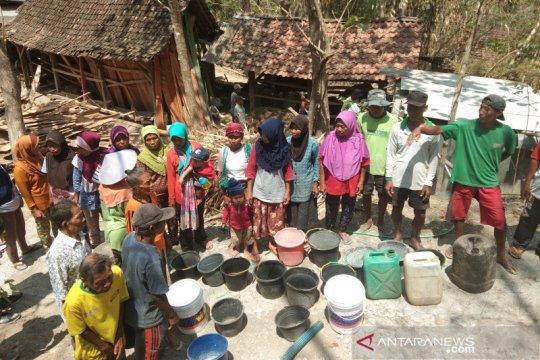 BPBD Bantul salurkan bantuan air 550 tangki selama kemarau