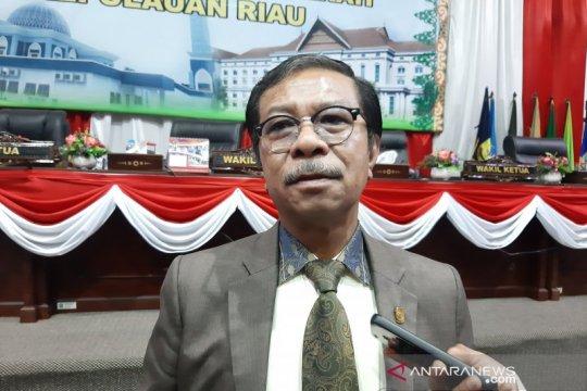 Jumaga Nadeak kembali dipercaya menjabat Ketua DPRD Kepri