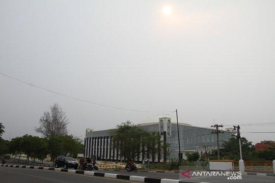Kabut asap karhutla mulai selimut pusat kota Banda Aceh