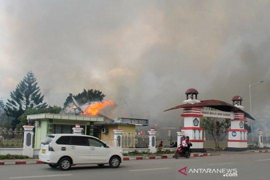 Papua Terkini - Kantor Bupati Jayawijaya di Wamena terbakar