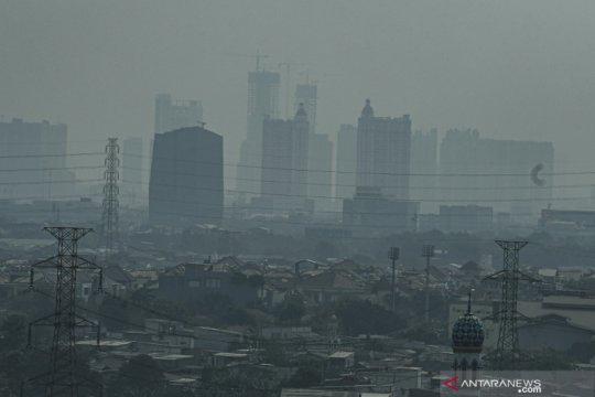 Jumat pagi kualitas udara Jakarta turun peringkat keempat terburuk