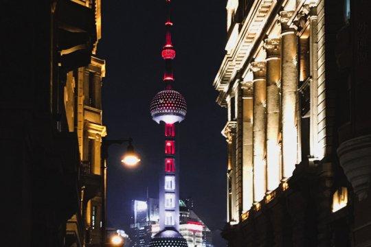 Nuansa Merah-Putih warnai ikon Kota Shanghai