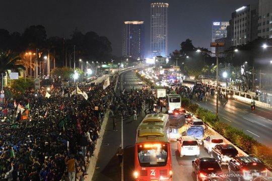 Mahasiswa sempat blokade tol dalam kota Jakarta saat berdemo