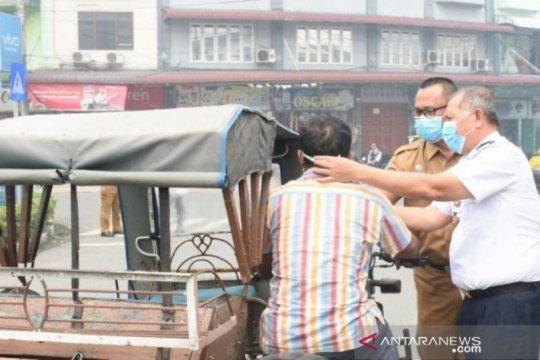 Ribuan masker dibagikan ke warga Tebing Tinggi minimalisasi kabut asap