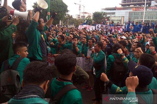 Mahasiswa se-Banyumas demo tolak UU KPK hasil revisi dan RUU KUHP
