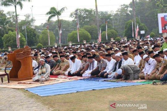 Warga Bangka Tengah laksanakan Shalat Istisqa