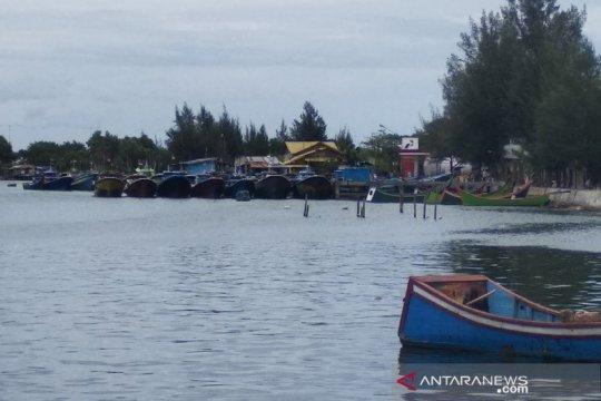 Asap tebal, nelayan Aceh diimbau tidak terlalu jauh melaut