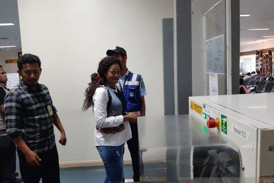 Imigrasi Timika deportasi penata rambut WN Kamerun