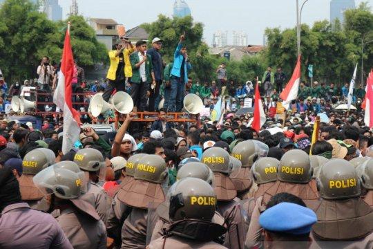 Demo mahasiswa, 551 Brimob Polda Lampung turut amankan aksi di Jakarta