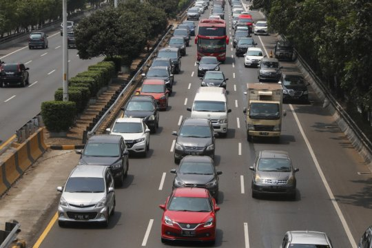 Tol Cawang-Tomang ditutup, terjadi kepadatan di sejumlah ruas tol