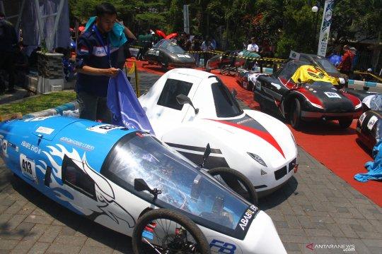 Kontes mobil hemat energi di Malang