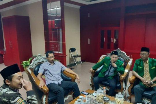 Ketua DPRD Surabaya dapat gelar warga kehormatan Banser